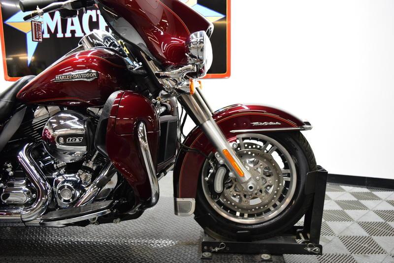 2016 Harley Davidson Trike Tri Glide Ultra Review: 2016 Harley-Davidson FLHTCUTG