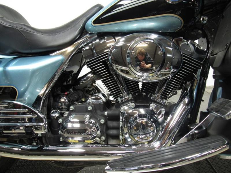 2007 Harley-Davidson FLHTCU - Electra Glide Ultra Classic 2