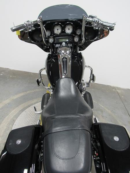 2011 Harley-Davidson FLHX - Street Glide 5