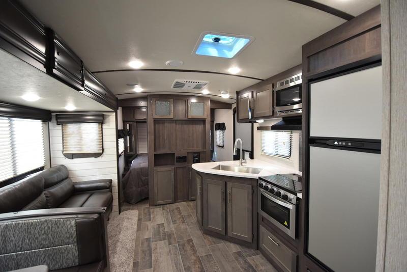 2020 CrossRoads RV Sunset Trail Super Lite SS289QB | Southern RV