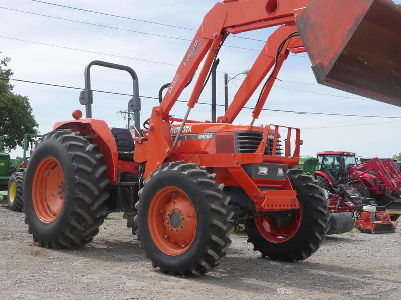 1900 Kubota M9000 Stock: 12559 | Big Red's Equipment Sales