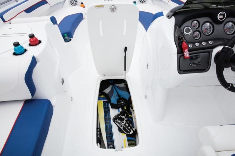New  2019 Tahoe 215 Xi Deck Boat in Hammond, Louisiana