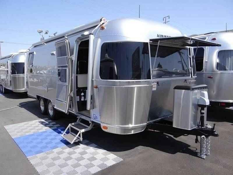 2018 Airstream International Signature 25RB | Airstream