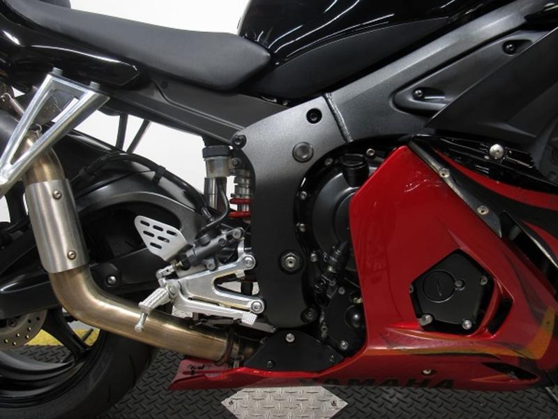 2003 Yamaha YZF-R6 6