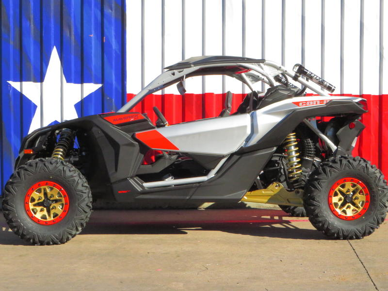 2019 Can-Am® Maverick™ X3 X™ RS TURBO R Gold & Can-Am Red
