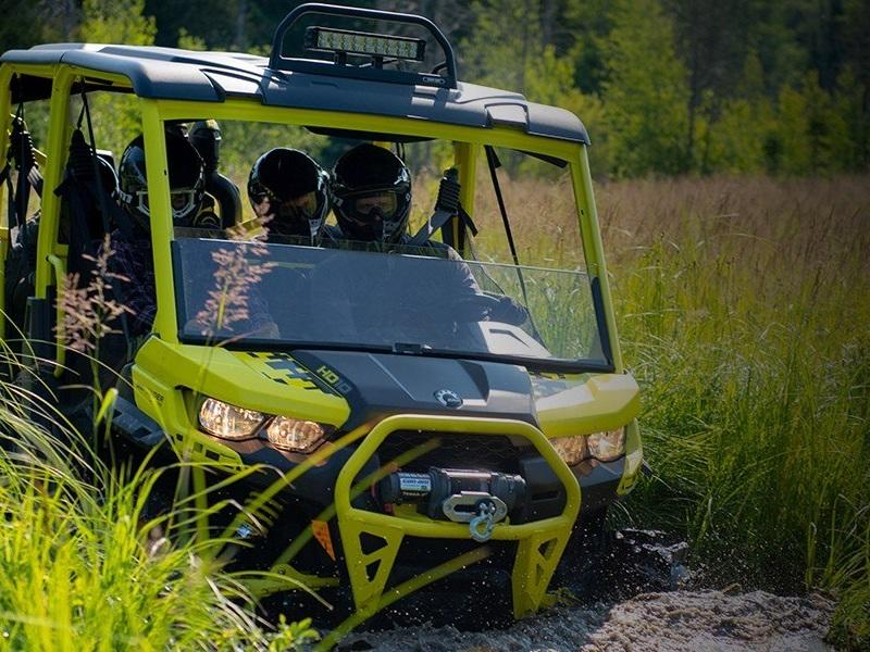 2019 Can-Am™ Defender Max X mr HD10 9