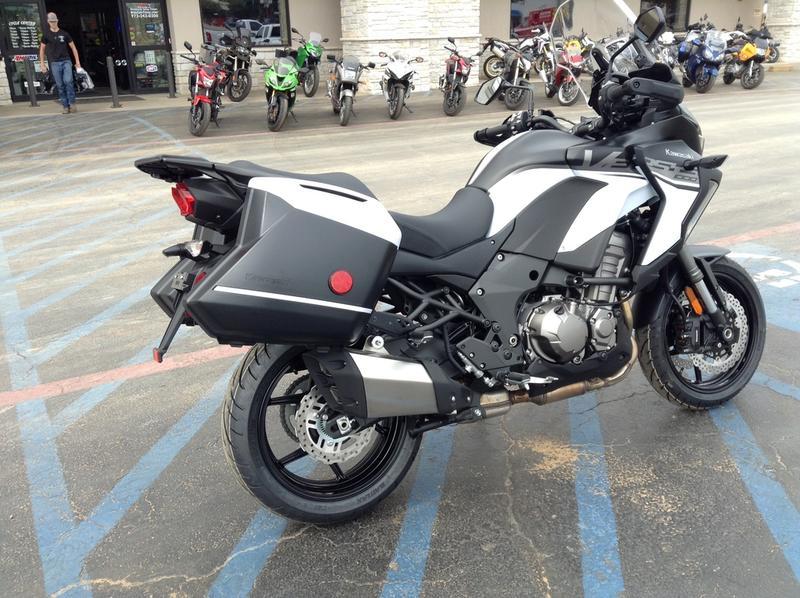 2019 Kawasaki Versys® 1000 SE LT+ | Cycle Center of Denton