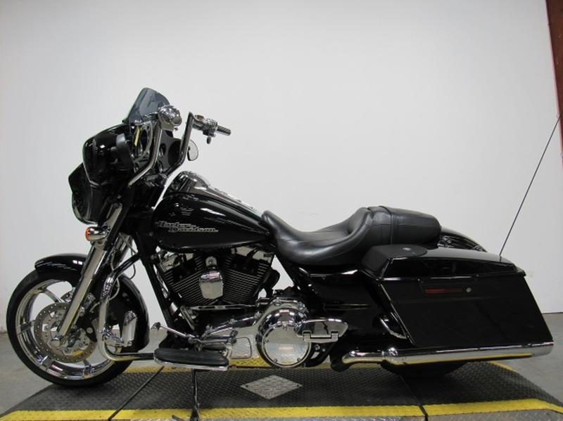 2011 Harley-Davidson FLHX - Street Glide 2