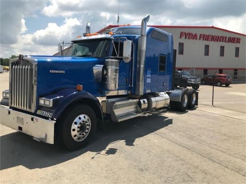 2015 Kenworth W900l 306015 Fyda Freightliner