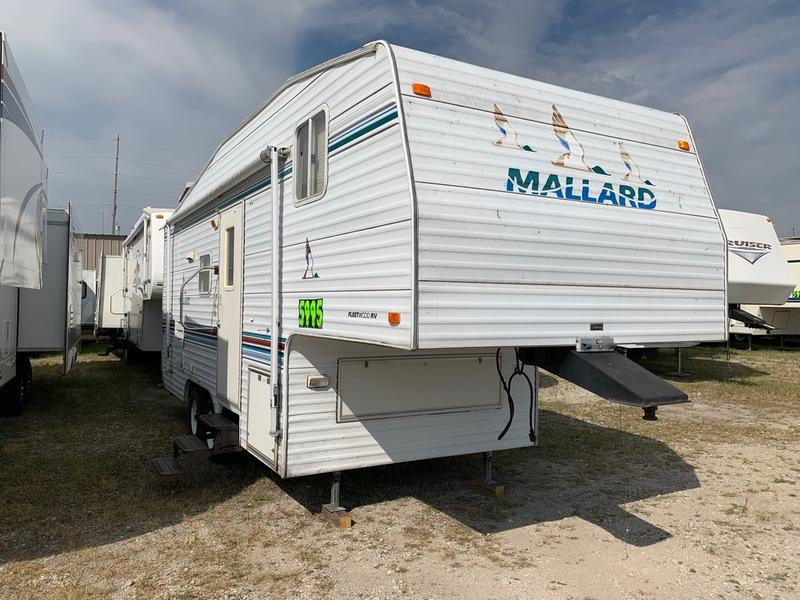 1999 Fleetwood Mallard 23S | Red 10 RV on
