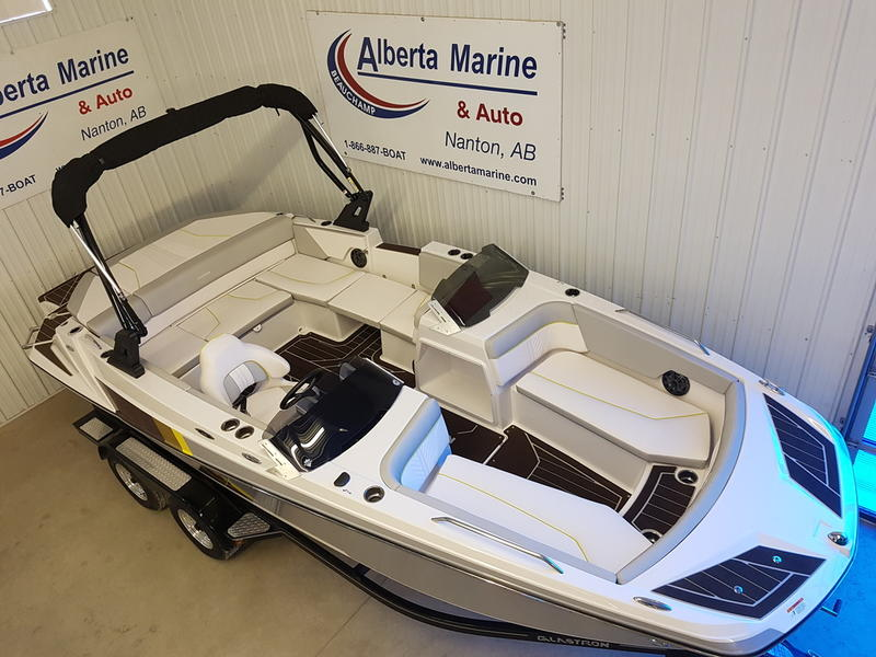 2019 Glastron boat for sale, model of the boat is GTDW 205 & Image # 2 of 8