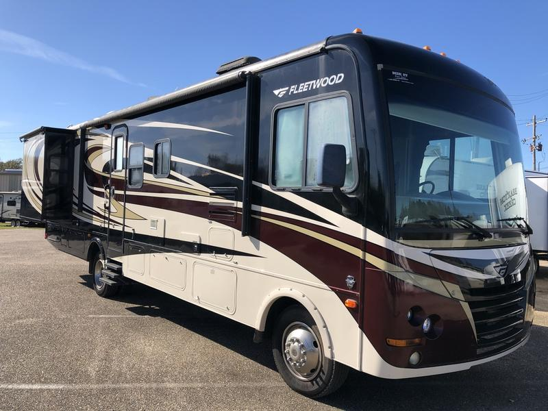 Used  2011 FLEETWOOD 34DS Class A in Baton Rouge,
