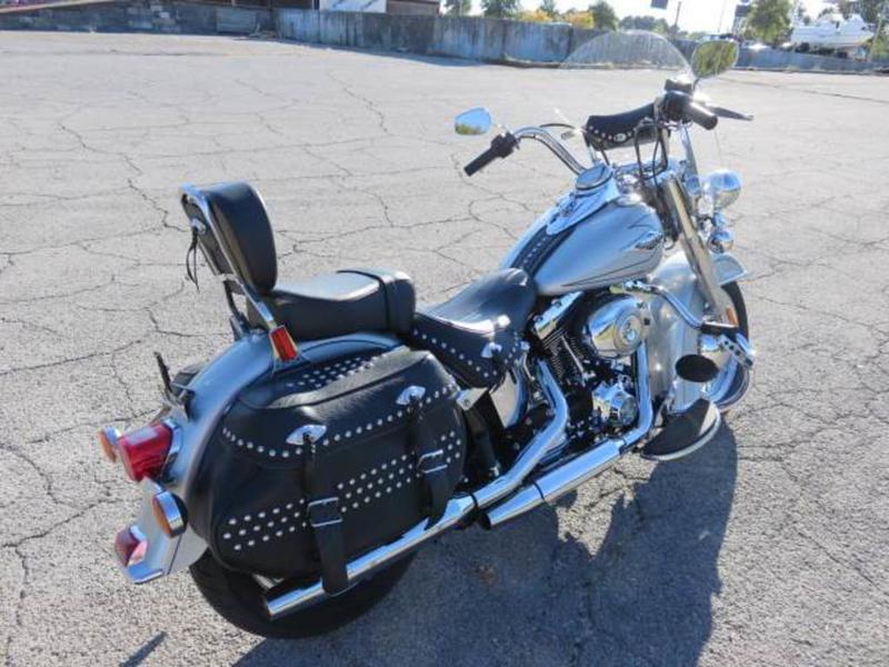 2011 Harley-Davidson FLSTC - Heritage Softail Classic 4