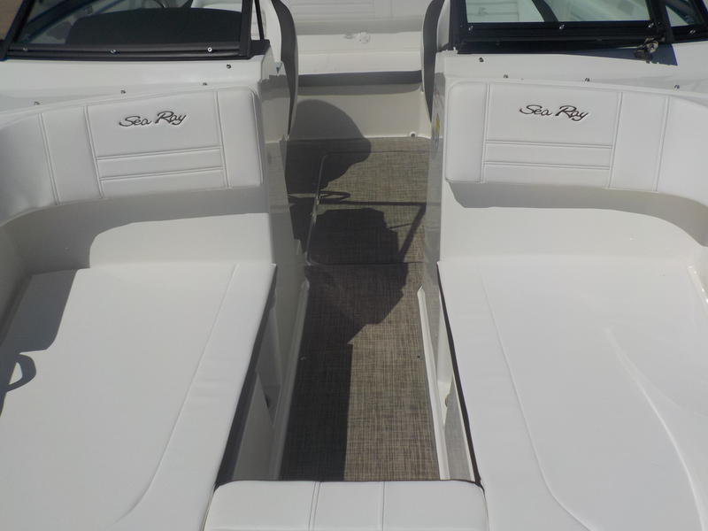 2020 Sea Ray boat for sale, model of the boat is SPX 190 & Image # 10 of 14