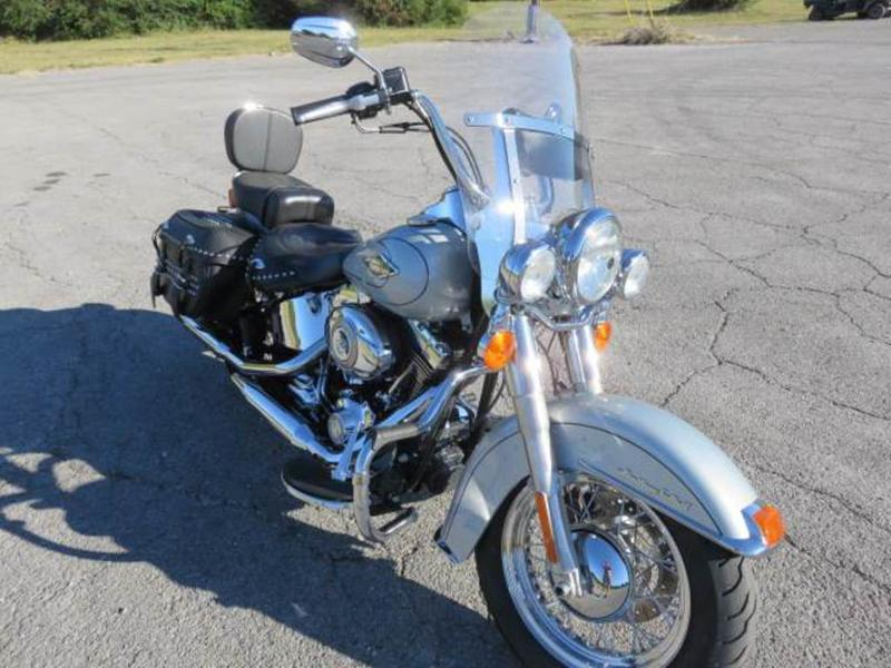 2011 Harley-Davidson FLSTC - Heritage Softail Classic 5