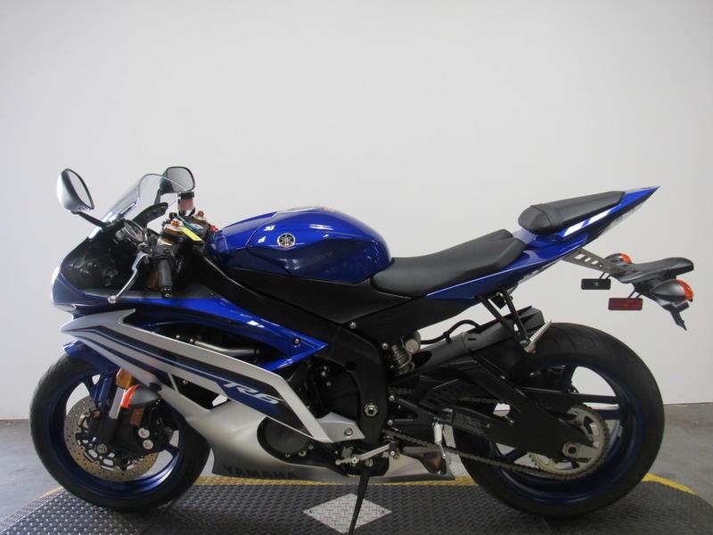 2016 Yamaha YZF-R6 8