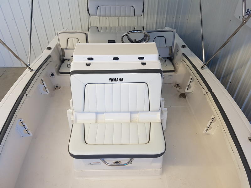 2017 Yamaha boat for sale, model of the boat is 190 FSH DELUXE & Image # 6 of 9