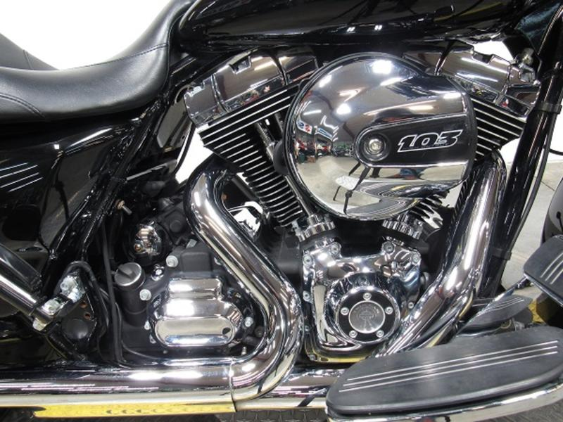 2015 Harley-Davidson FLHX - Street Glide 2