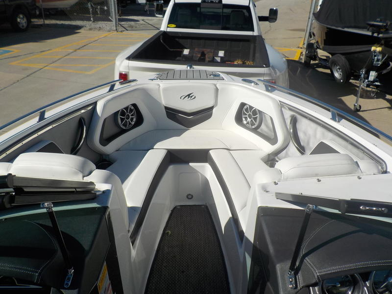 2016 Monterey boat for sale, model of the boat is 218SS & Image # 7 of 21