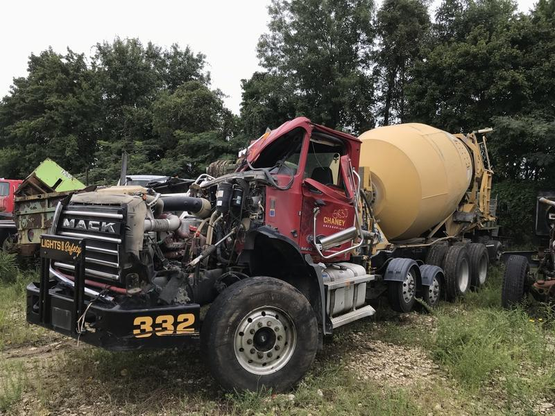 USED 2016 MACK GU813 CONCRETE MIXER TRUCK #592368