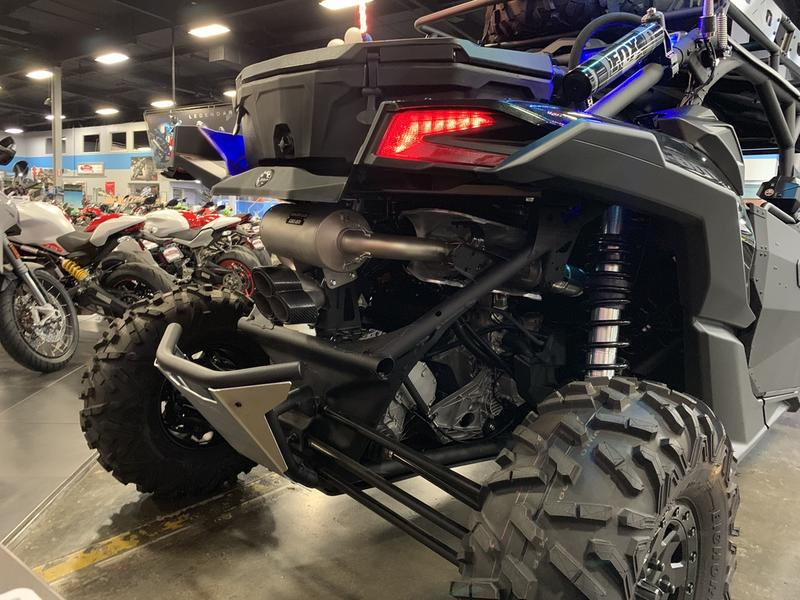 2019 Can-Am� Maverick X3 MAX X rs Turbo R 11