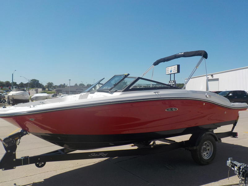 2020 Sea Ray boat for sale, model of the boat is SPX 190 & Image # 6 of 14