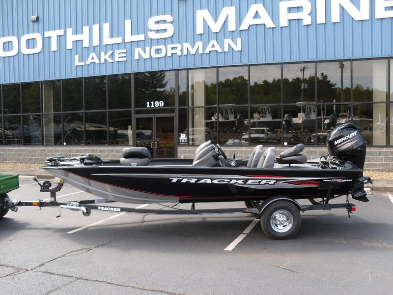 2019 Tracker® Boats Pro Team™ 175 TXW Stock: 19-PT175TXW