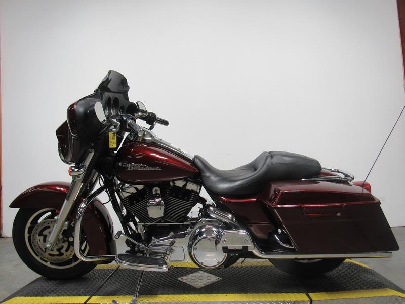 2008 Harley-Davidson FLHX - Street Glide 9