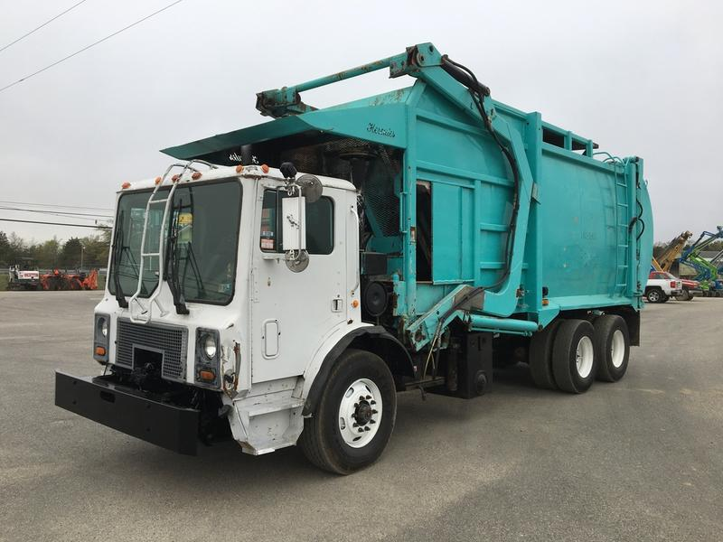 USED 2000 MACK MR690S RECYLING TRUCK #615441