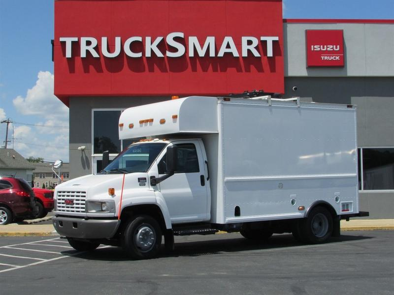 2008 GMC Topkick C5500 13 ft Enclosed Utility Cutaway Van