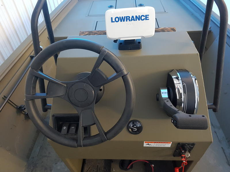 2018 Lowe boat for sale, model of the boat is Roughneck 1860 CC & Image # 4 of 8