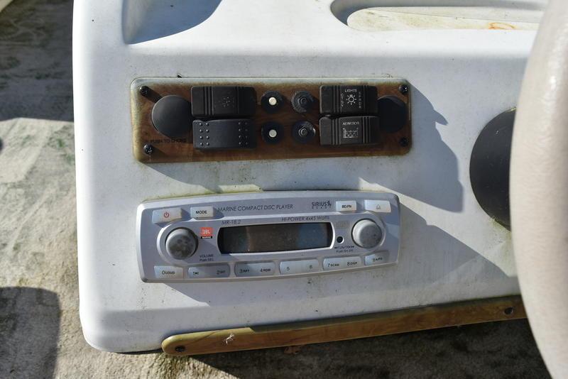 Used  2009 Bentley 240 Cruise Pontoon Boat in Marrero, Louisiana