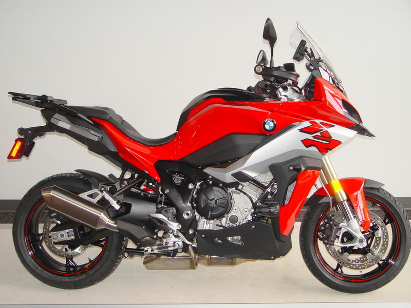 2020 Bmw S 1000 Xr Racing Red With White Aluminum Metallic Matte Bmw Motorcycles Of Western Oregon