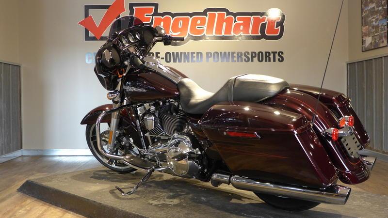 2014 Harley-Davidson FLHXS - Street Glide Special 8