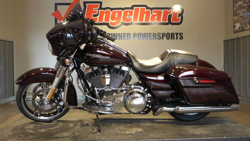 2014 Harley-Davidson FLHXS - Street Glide Special 1