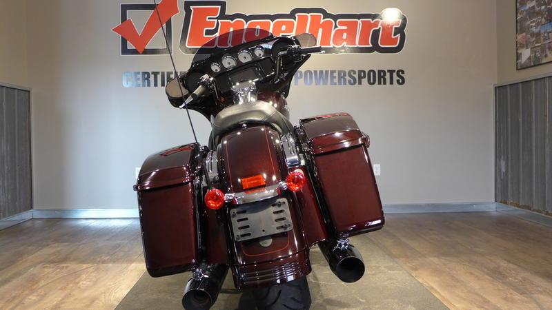 2014 Harley-Davidson FLHXS - Street Glide Special 7