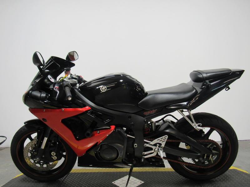 2005 Yamaha YZF R6 8