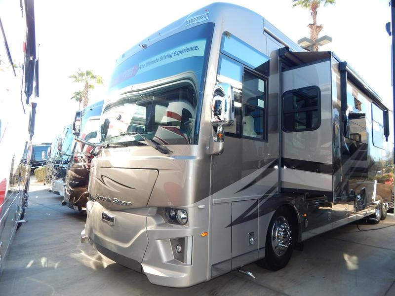 2019 Newmar Dutch Star 4054 | Holland RV Centers