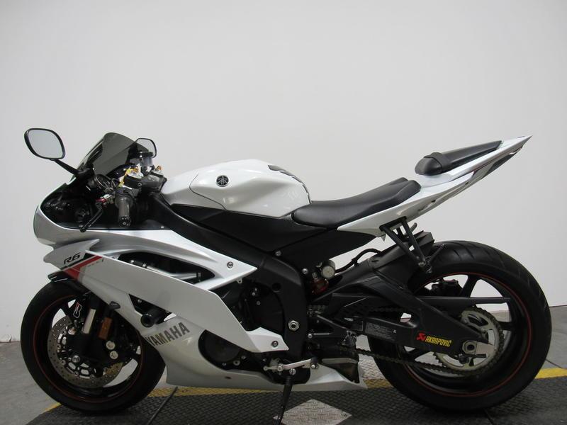 2012 Yamaha YZF-R6 8