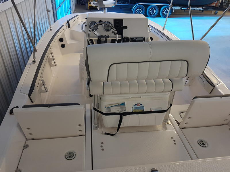 2017 Yamaha boat for sale, model of the boat is 190 FSH DELUXE & Image # 3 of 9