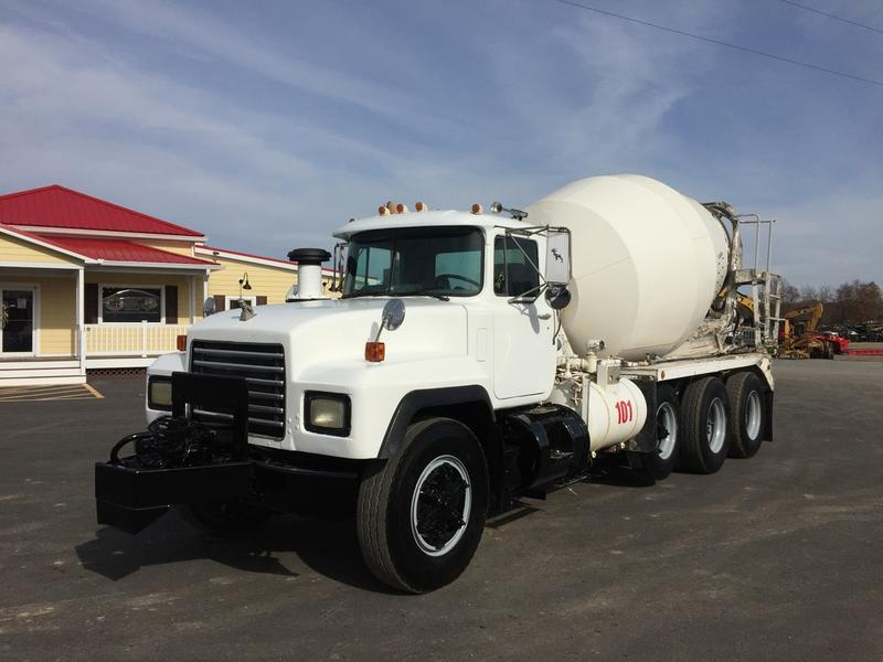 USED 2000 MACK RD688S CONCRETE MIXER TRUCK #504957