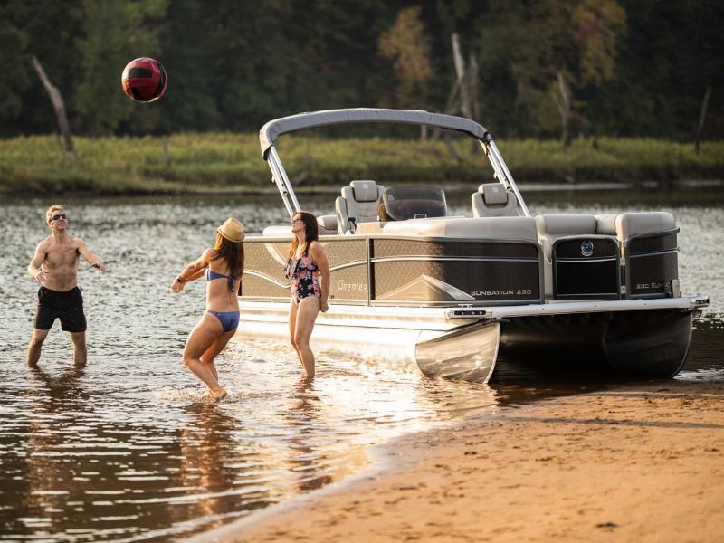 Pontoon Boats For Sale in Minnesota | Pontoon Boat Dealer
