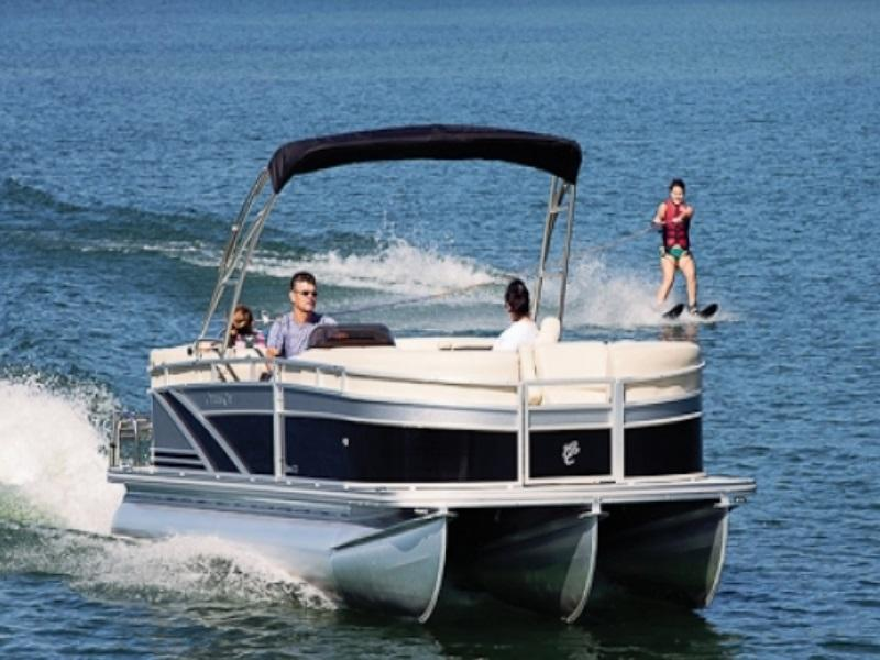 Pontoon boats for sale near chicago milwaukee wi for Cool fishing boat accessories