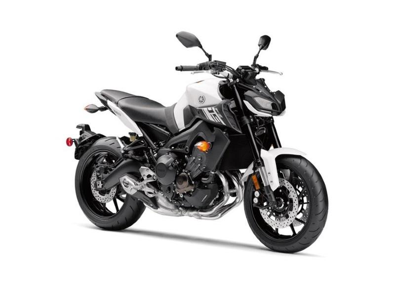 2017 Yamaha FZ-09 | MOMS Foxboro