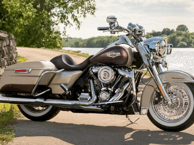 touring motorcycles near philadelphia pa motorcycle dealer. Black Bedroom Furniture Sets. Home Design Ideas
